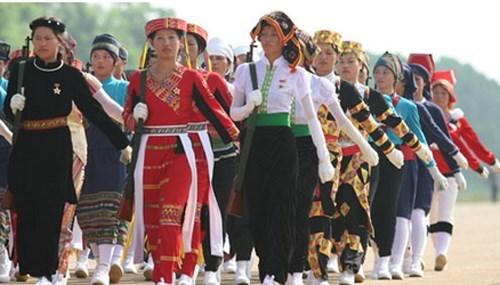 Dong bao cac dan toc thieu so Viet Nam trong trai tim Bac Ho