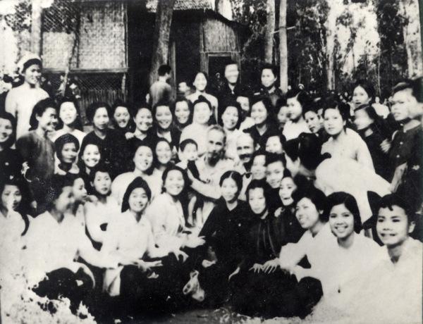 Bac Nhung Vietnam  city photos : Những hình ảnh về Bác Hồ với phụ nữ Việt Nam Trang ...