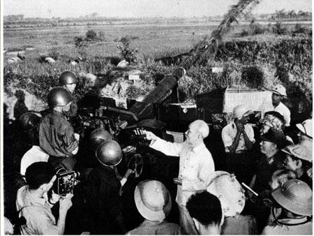 Tăng cường gắn bó máu thịt giữa Quân đội với Nhân dân theo tư tưởng Hồ Chí Minh